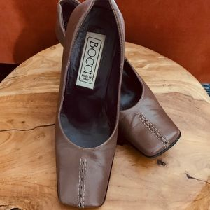 Vintage- women's high heel leather shoes (Size 35)